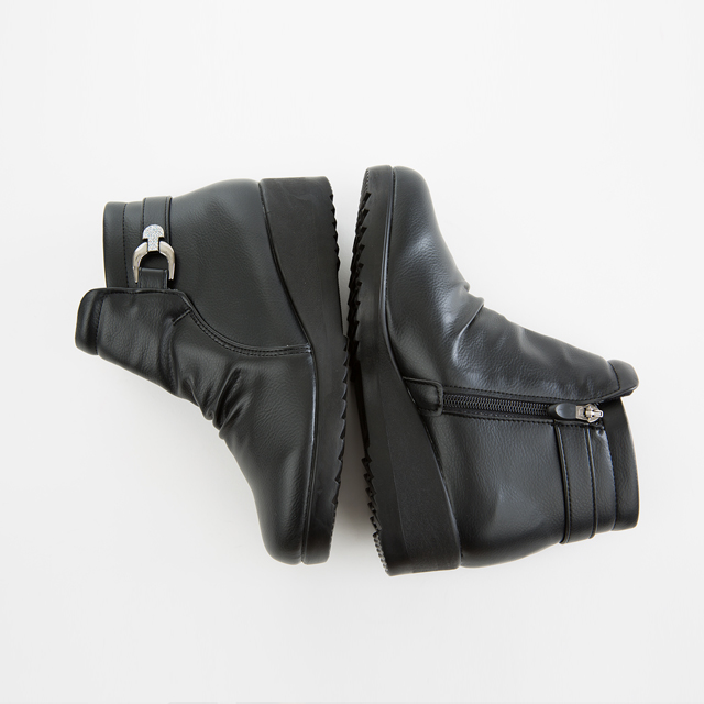 <b><font color=black>Front crease buckle angle boots</font></b> <br> -SH711008-