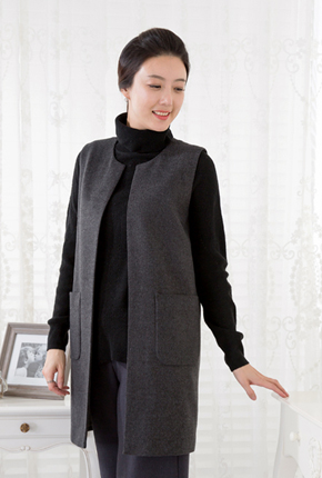 <b><font color=black>Square pocket wool vest</font></b> <br> -VE712001-